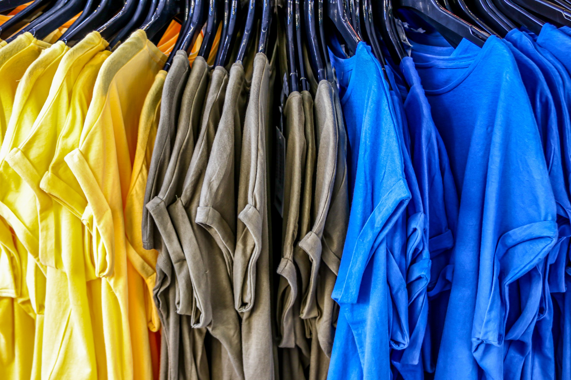 široký sortiment oblečení