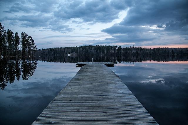 molo na jezeře