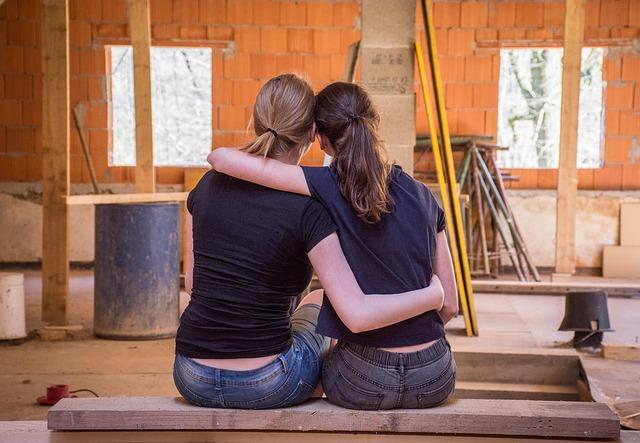 kamarádky na stavbě